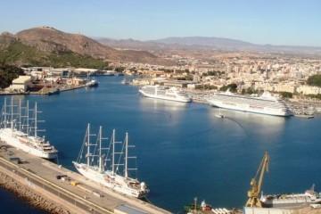 cruceros-llegan-Puerto-Cartagena-pasajeros_TINIMA20131111_0715_5