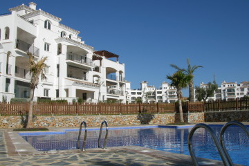 Hacienda Riquelme Apartments, Gardens & Pools (10)