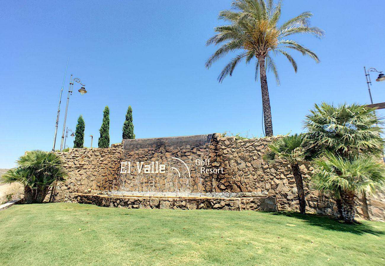 Ferienwohnung in Baños y Mendigo - Vistas Golf - El Valle