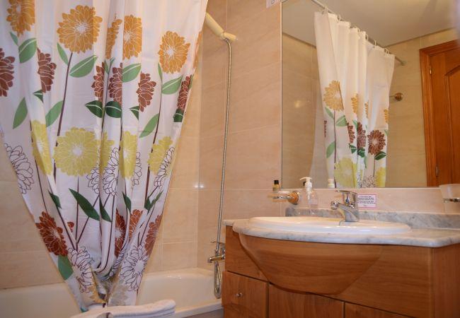 Spacious Bathroom with modern bath - Resort Choice