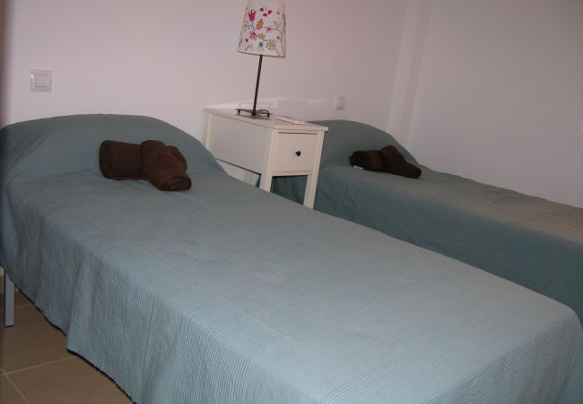Spacious 2 single bed bedroom