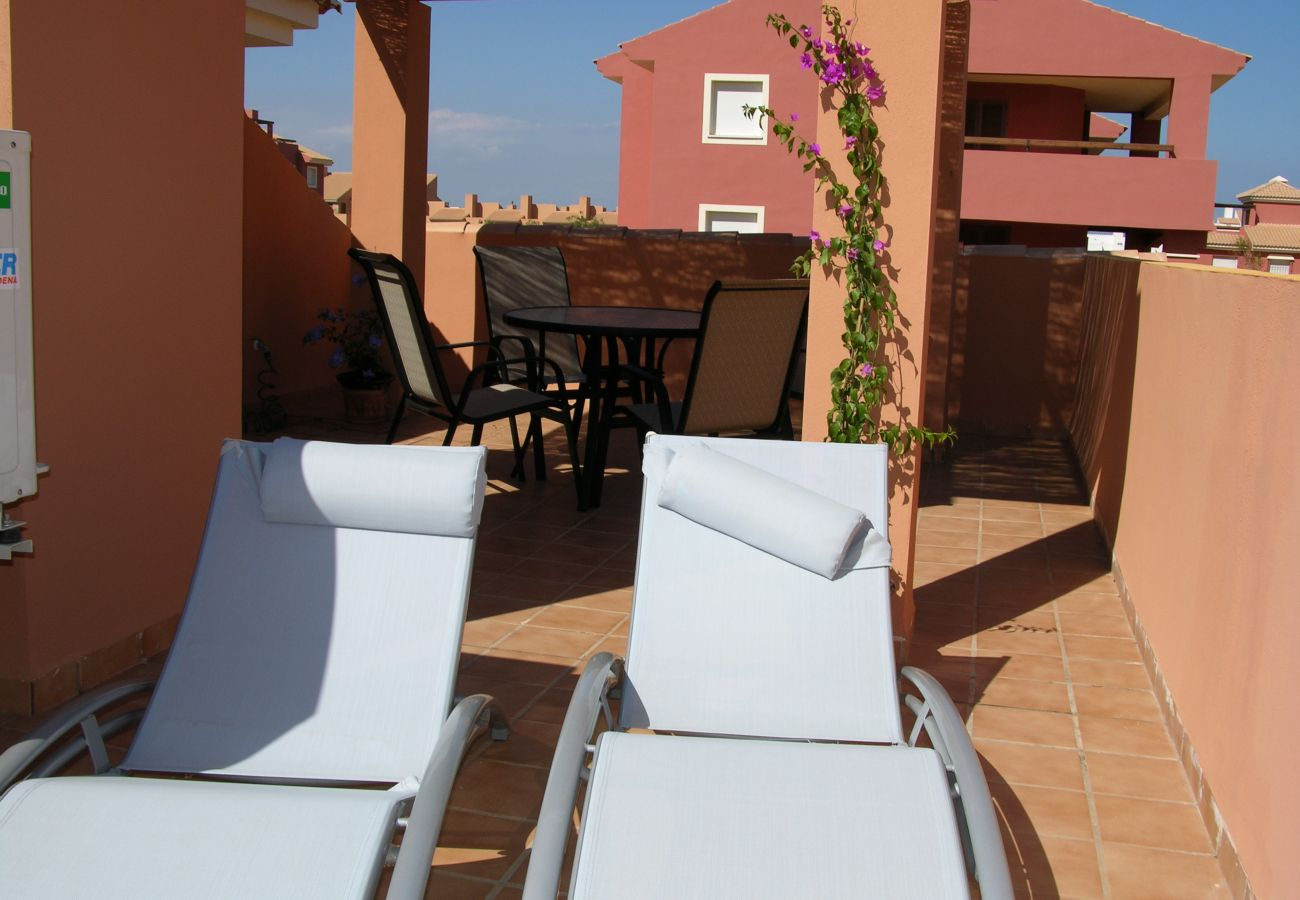 Roof Terrace with Relaxation chairs in Bungalow - Resort Choice