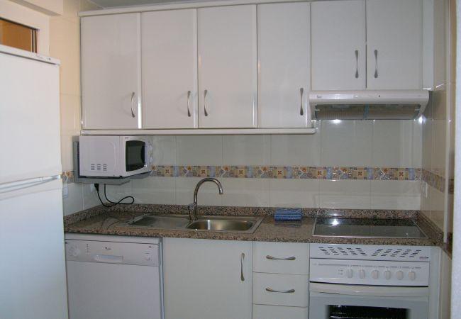 Spacious kitchen with modern kitchen appliances - Resort Choice