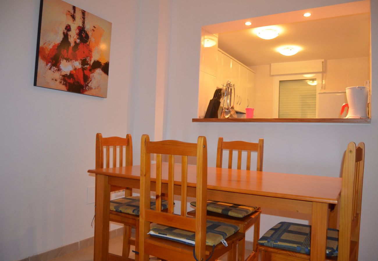 Modern dining area with designer furniture - Resort Choice