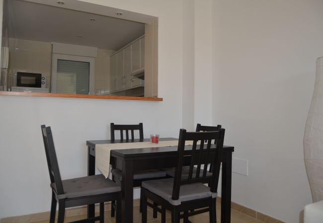Modern dining room in Albatros 1 apartment - Resort Choice