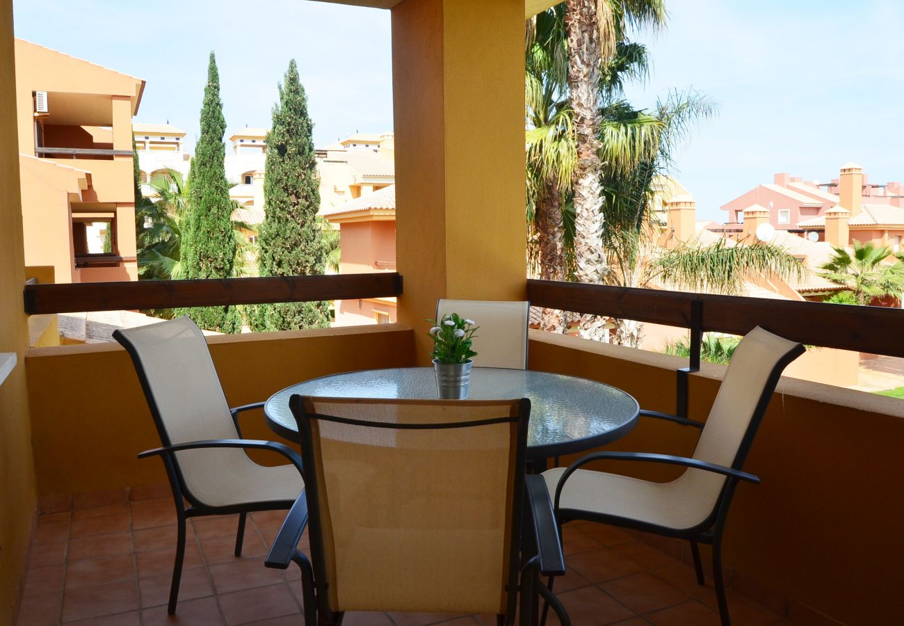 Spacious balcony with well managed sitting area - Resort Choice
