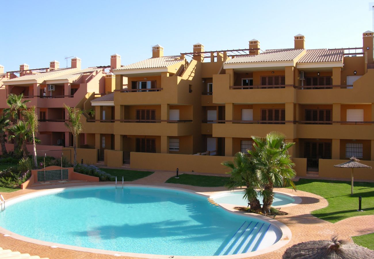 Large communal pool with gardens - Resort Choice