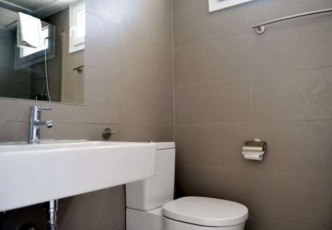 Arenales Apartment rental with modern bathroom - Resort Choice