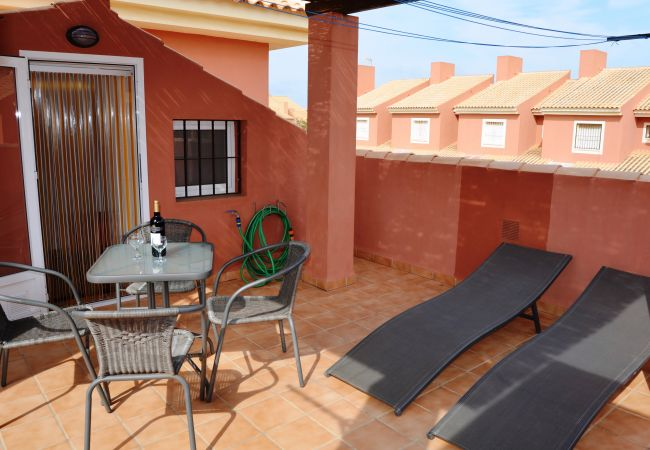 Spacious well equipped roof terrace - Resort Choice