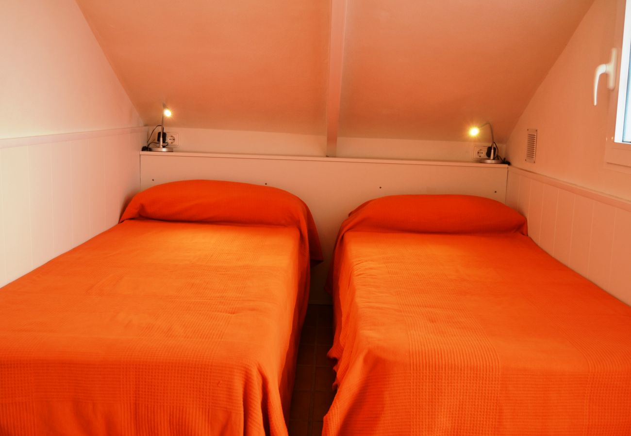 2 single bed mini bedroom - Resort Choice
