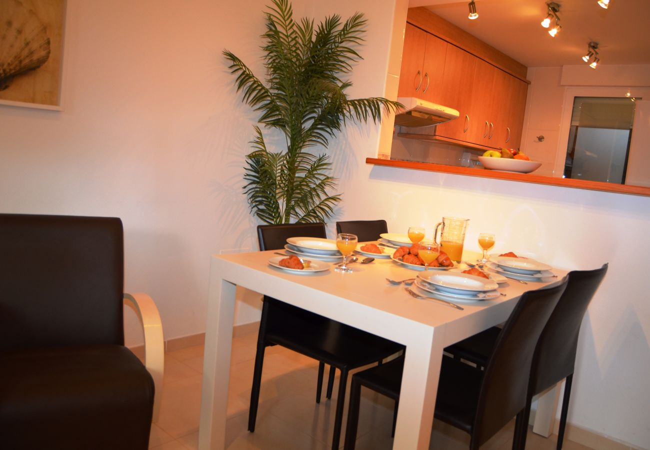 Modern well equipped dining area - Resort Choice