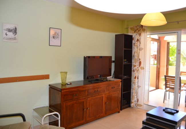 Luxurious bungalow with spacious living room for rent - Resort Choice