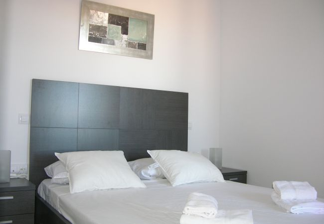 Double bed bedroom with comfortable furniture - Resort Choice