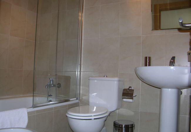 Beautiful bathroom of La Torre Golf Resort tonwhouse