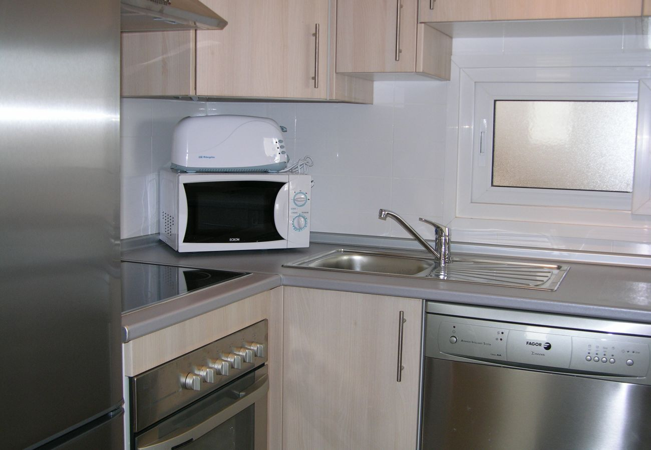 Beautiful and modern kitchen of Las Terrazas de La Torre Golf apartment