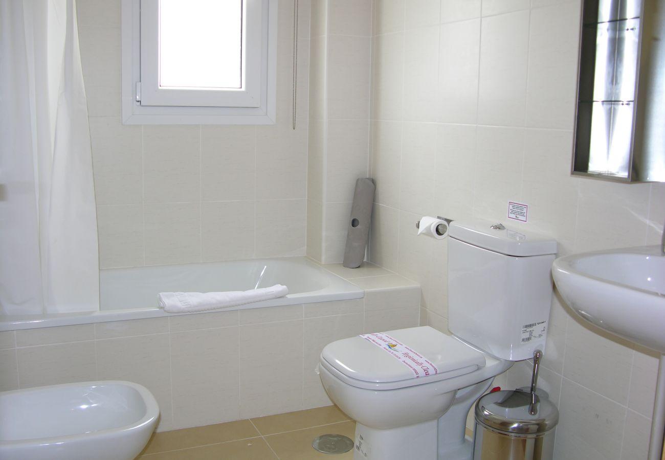 Nice bathroom of Las Terrazas de La Torre Golf apartment