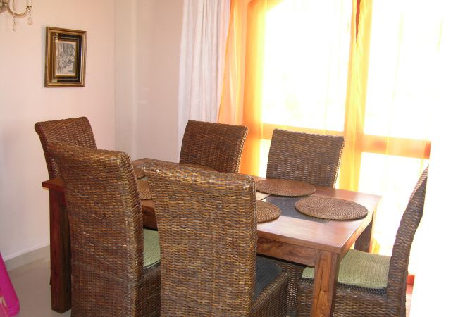 Well equipped beautiful dining area - Resort Choice