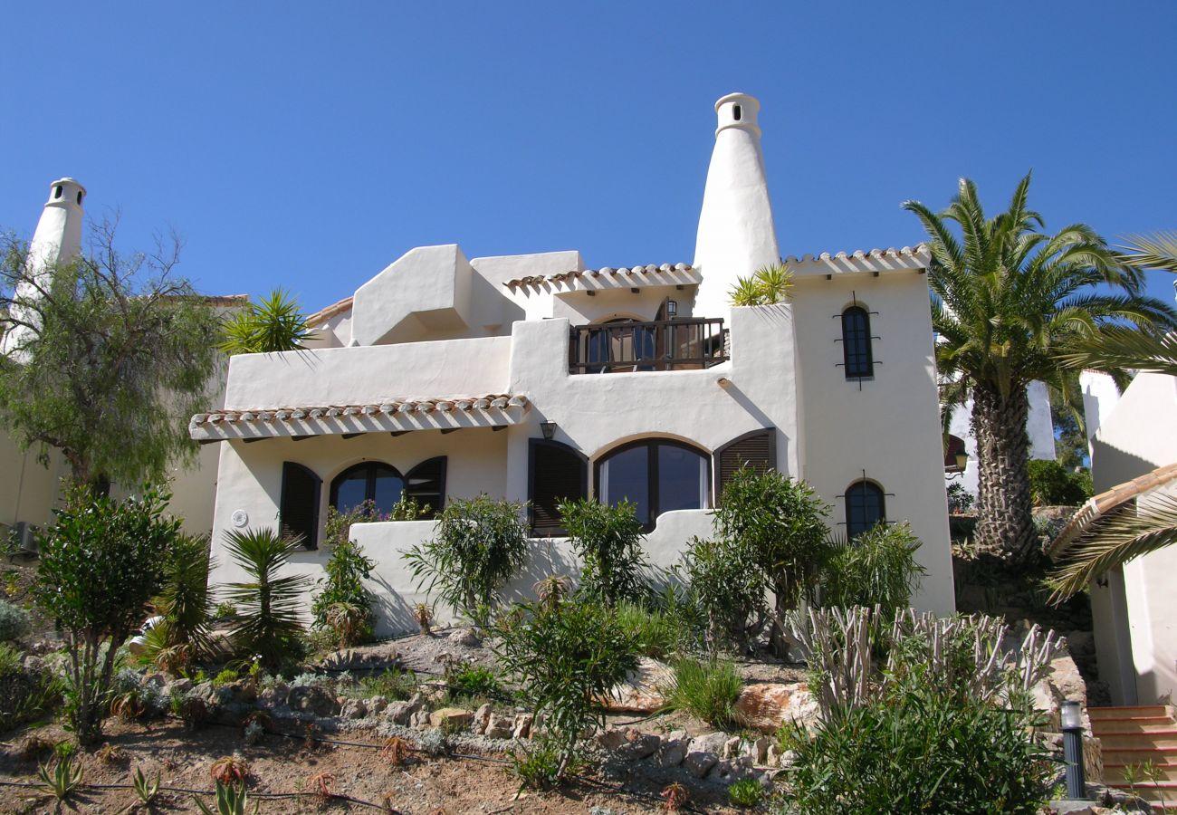 Beautiful exterior of detached villa in Los Altos complex - Resort Choice
