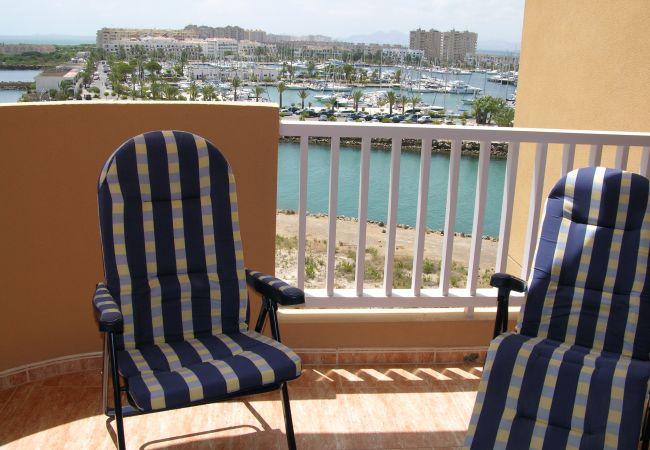 Spacious balcony in La Manga apartment with sitting area - Resort Choice