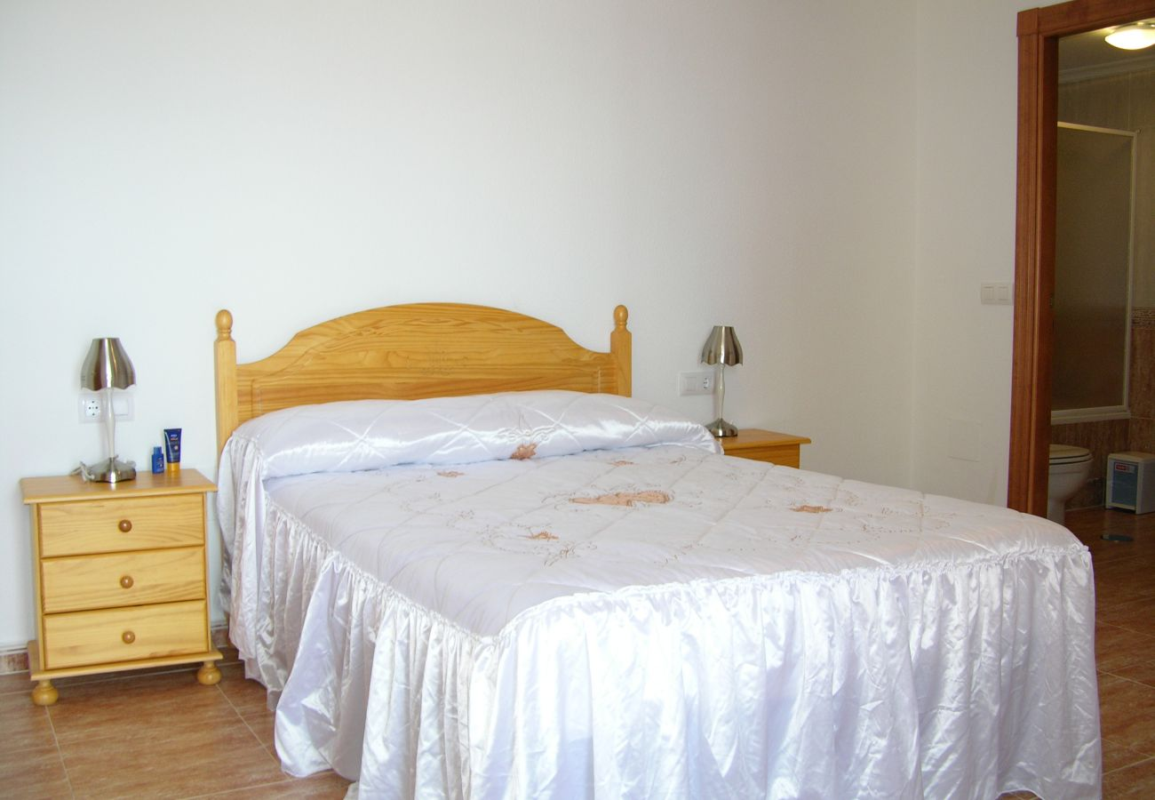 Double bed bedroom with full comfort sleep - Resort Choice