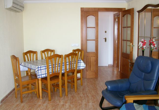 Spacious dining room well equipped- Resort Choice