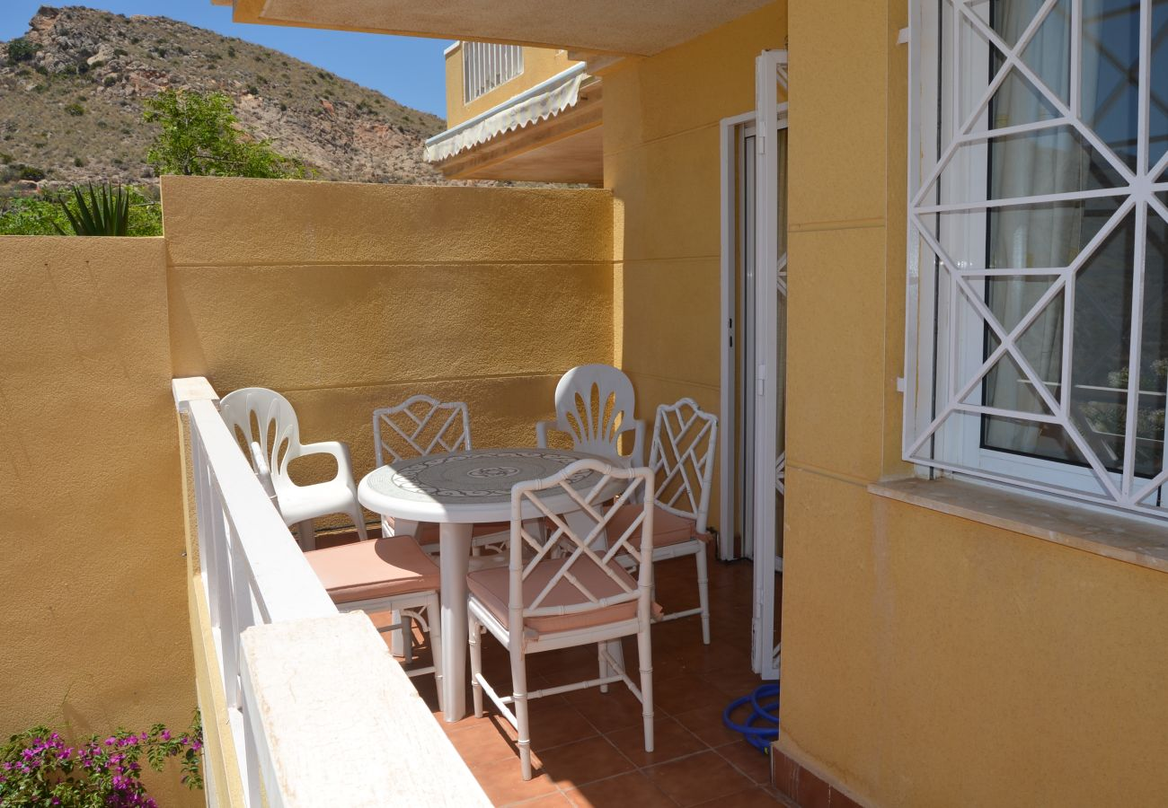 Spacious terrace in Parque Marino apartment - Resort Choice