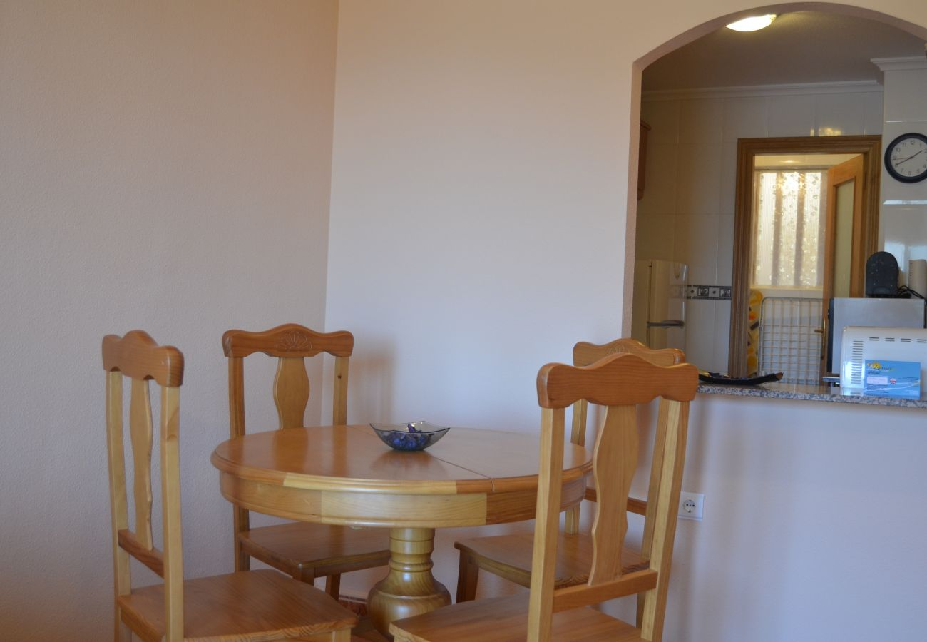 Spacious dining room with good furniture - Resort Choice
