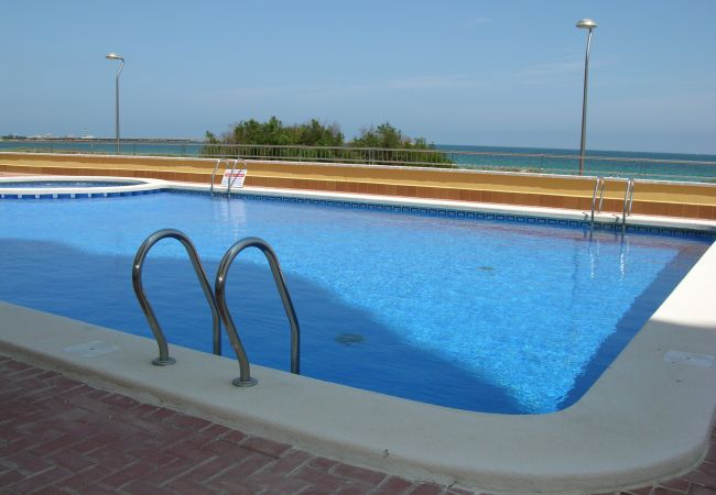 Large and beautiful communal swimming pool in Playa Principe - Resort Choice