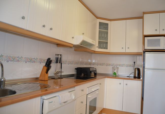 Modern and spacious kitchen well equipped - Resort Choice