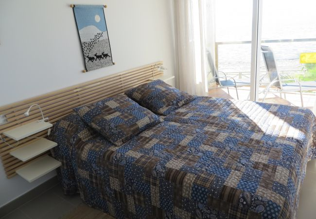 Double bed master bedroom in apartment rental - Resort Choice