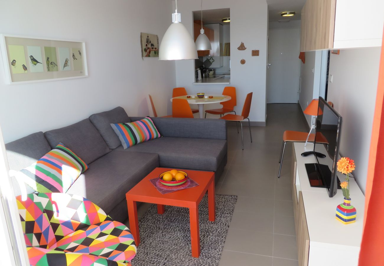 Spacious well equipped living room - Resort Choice