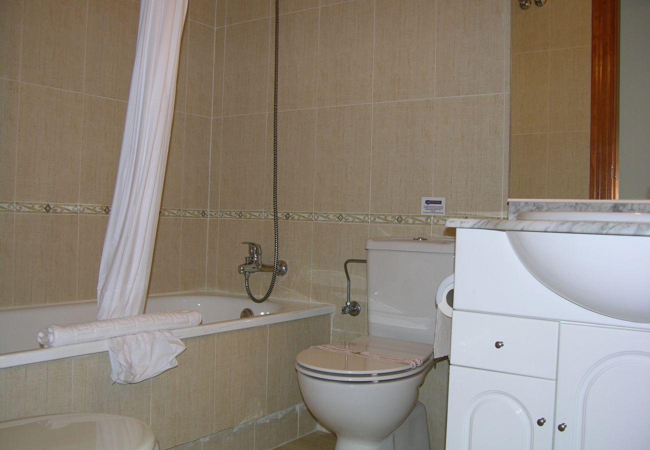 Lovely Bathroom of Seychelles Apartment