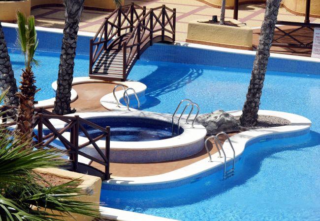 Lovely Swimming Pool of Verdemar Apartment