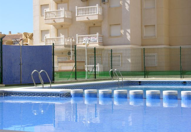 Large communal pool in Villa Cristal Complex - Resort Choice