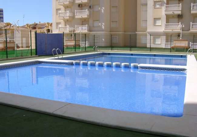 Large front swimming pool in Playa Paraiso complex - Resort Choice