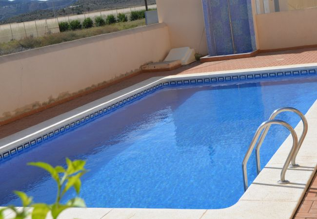 Large and clean communal pool in Villa Cristal 2 - Resort Choice