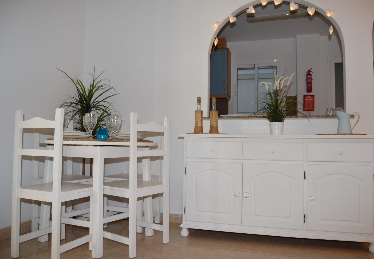 Spacious dining area - Resort Choice