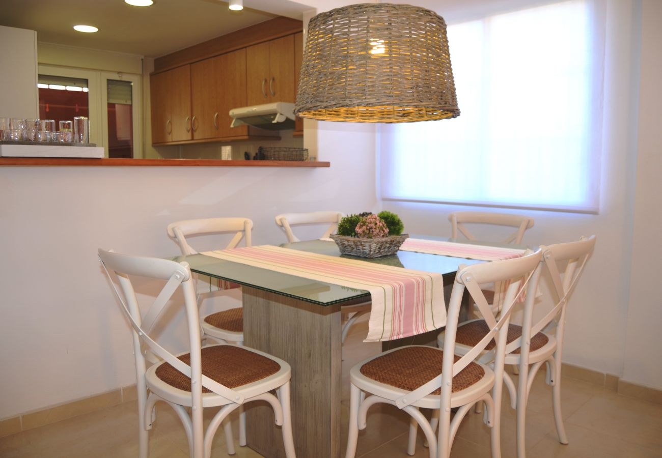 Luxurius and modern dining room in house - Resort Choice