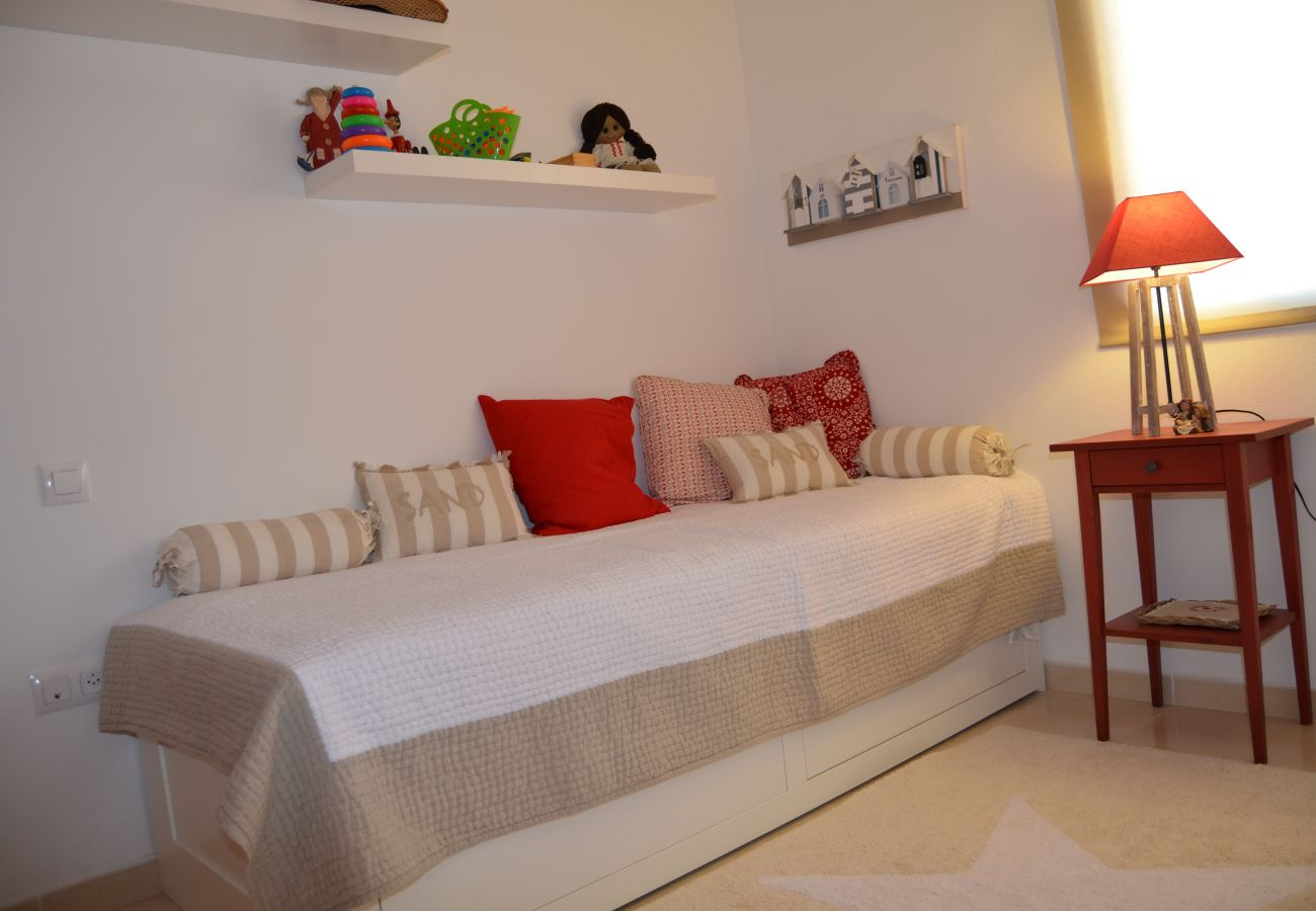 Single bed bedroom with beautiful interiors - Resort Choice