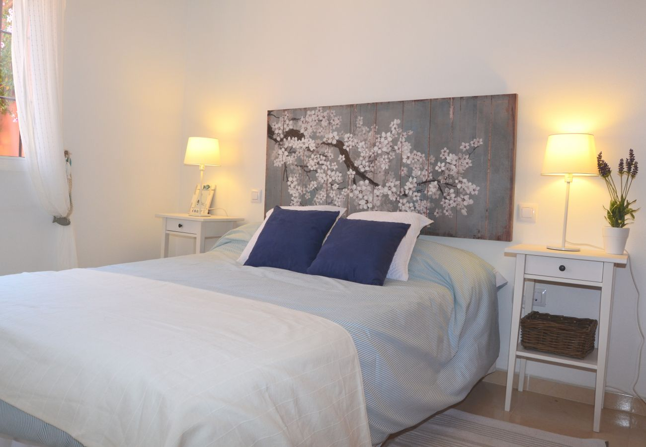 Modern double bed bedroom with beautiful interiors - Resort Choice