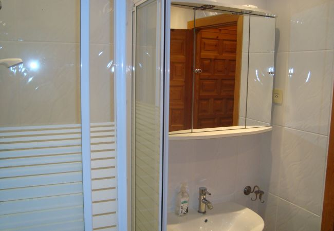 Beautiful house with well equipped bathroom
