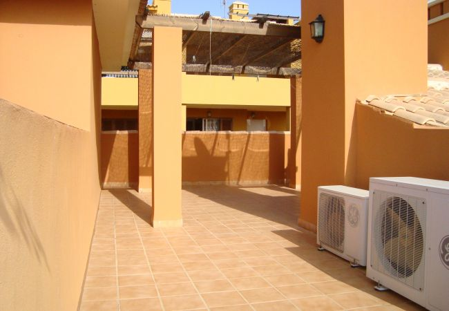 Spacious roof terrace in beautiful bungalow - Resort Choice