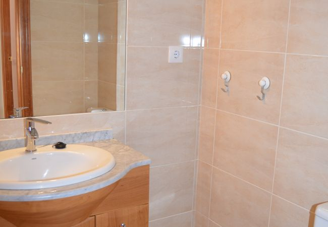 Modern spacious bathroom - Resort Choice