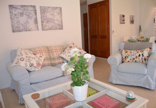 Large beautifully designed living room - Resort Choice