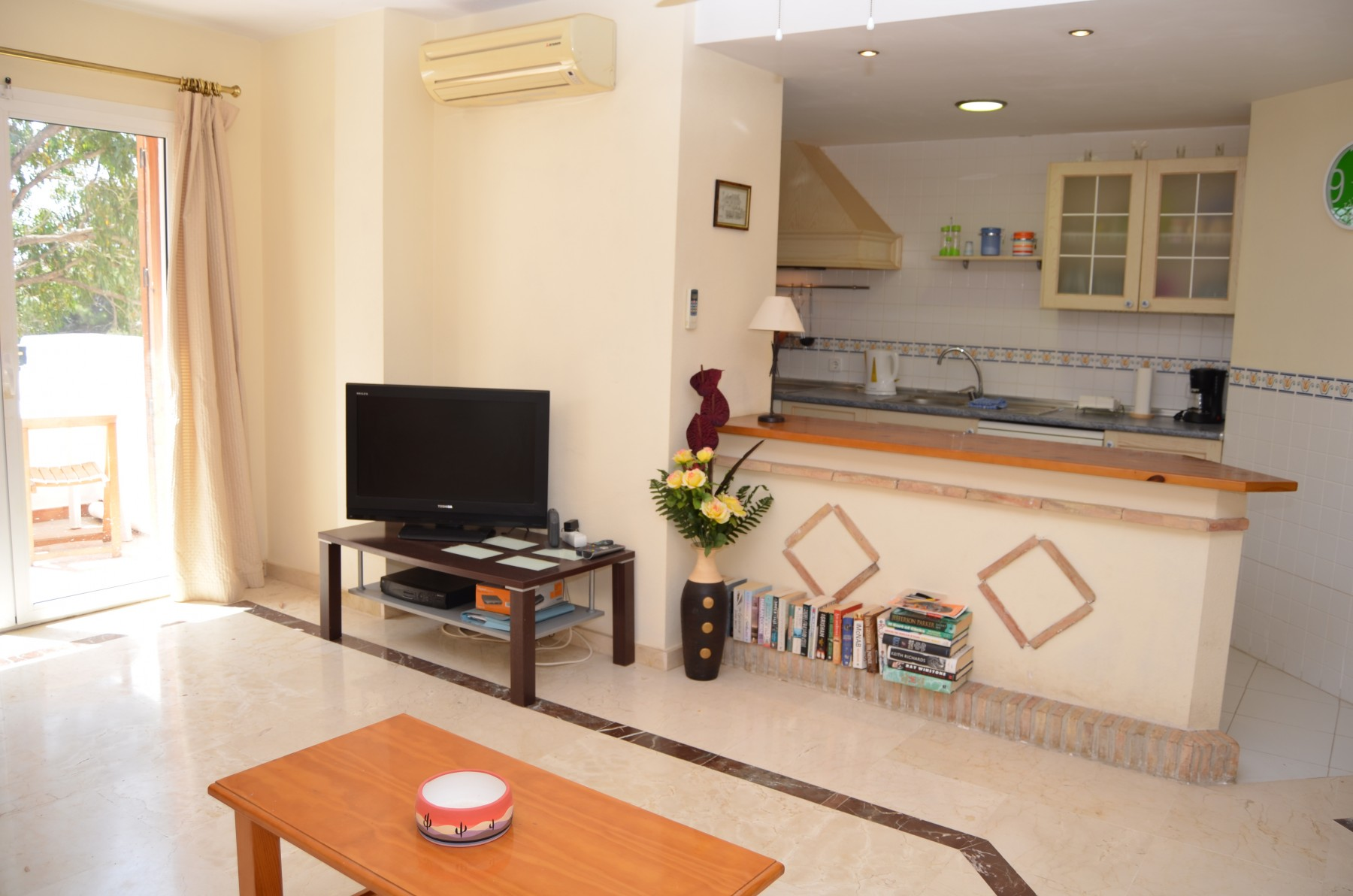 ... Spacious Living Room With Beautiful Furniture   Resort Choice ...