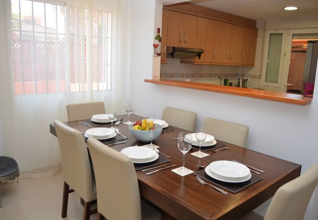 Spacious dining room in Mar de Cristal house - Resort Choice