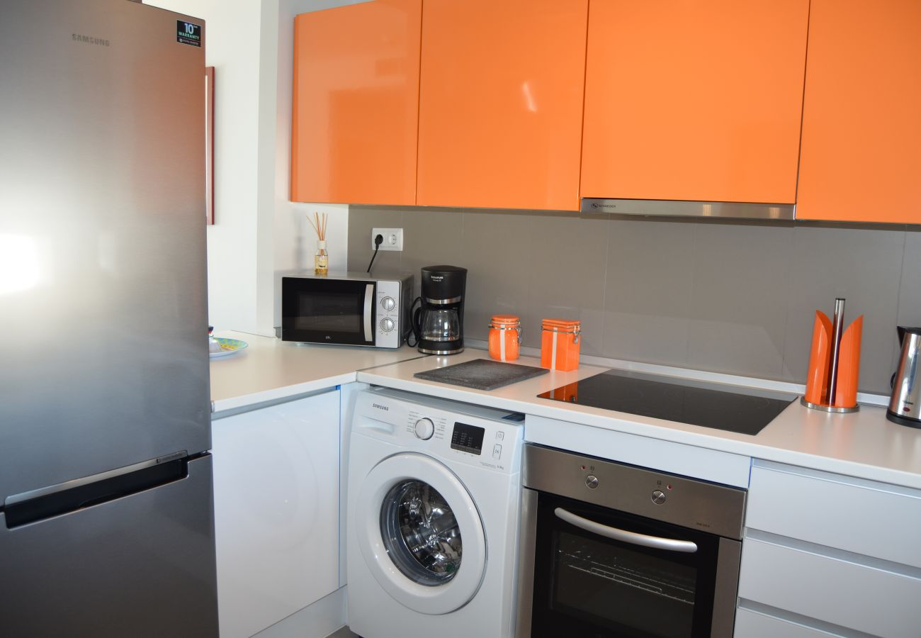 Spacious kitchen with all modern kitchen ware - Resort Chocie