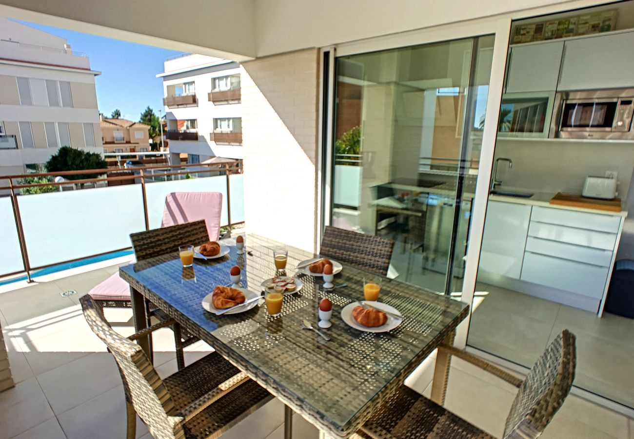 Luxurious apartment with spacious and modern well equipped balcony